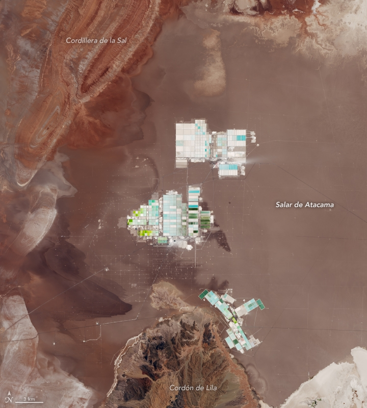 Salar_de_Atacama_Lithium_salt_ponds_2018